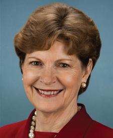 Jeanne Shaheen (D)